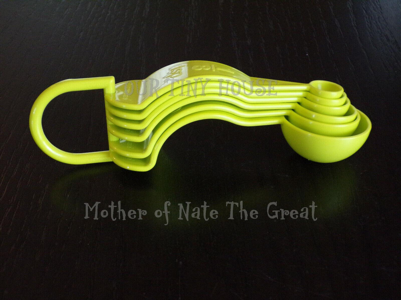 NEW Tupperware Measuring Spoons Set of 6 GREEN Embossed D Ri