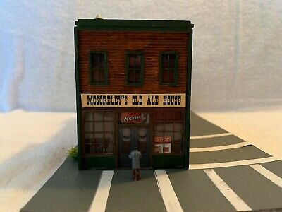 JL Innovative Design #331 HO Scale McSorley's Old Ale House Custom Assembled (Mcsorleys Old Ale House)