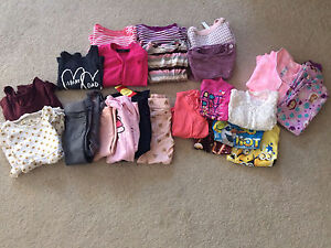 Girl Clothing 2T - 3T lot $15