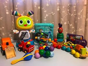 Lot of Baby/Toddler Toys (4 pictures)