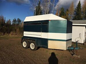 2-horse Trailer in EUC for sale
