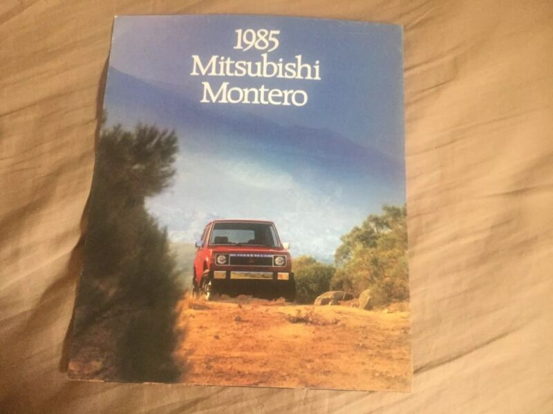 1985 Mitsubishi Montero USA Market Sales Catalog Brochure Prospekt