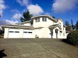 5bd 2200 sqft available