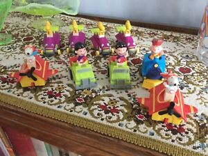Charlie brown, lucy, snoopy  9 personnages $25.00
