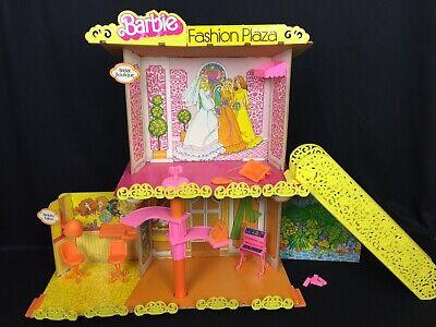 Vintage Barbie Fashion Plaza Mall w/ Bridal Boutique, Salon, Escalator, (Fashion Plaza Mall)