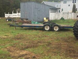 Tandem axle heavy duty trailer