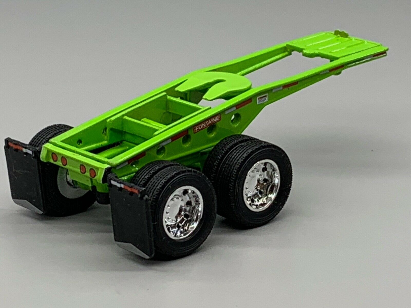 1/64 DCP LIME GREEN FONTAINE MAGNITUDE LOWBOY JEEP