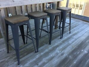 4 Metal Bar Stools with Bamboo tops