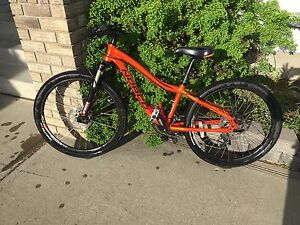 "Norco Charger kids mountain bike 24"" tires"