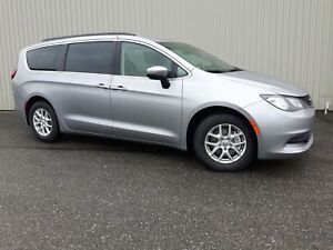 2018 Chrysler Pacifica LX +8 Places, Hitch+