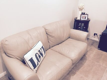 Lounge Room - Moving Sale!!! Middleton Grange Liverpool Area Preview