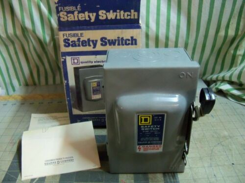 Square D - D111N  30amp 120V AC 120VAC Fusible safety switch disconnect NEW USA
