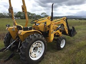 East wind tractor 4wd with 4 in 1 bucket rops Mullumbimby Byron Area Preview