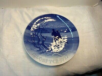 1927 Bing & Grondahl Christmas Plate, Skating Couple,