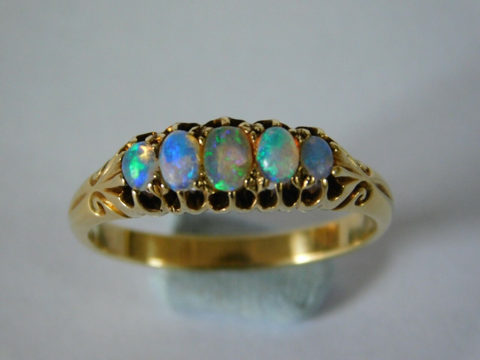 Stunning Colours ANTIQUE 18ct GOLD OPAL RING – 18ct FIVE STONE OPAL RING