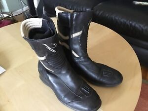 Falco leather riding boots