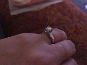 14kwg engagement ring