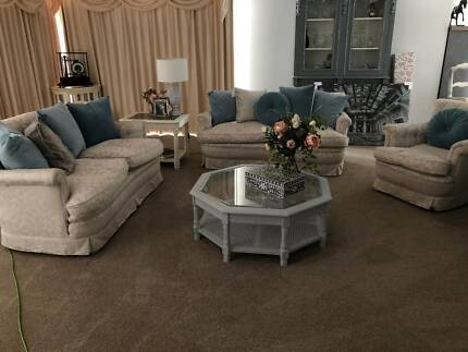 Lounge/couch set