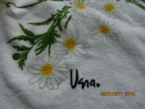 VERA NEUMANN VTG. TOWEL SET (3) BATH, HAND, WASH CLOTH VELOUR DAISIES EXCELLENT