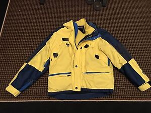 This Xl Möbius jacket is great