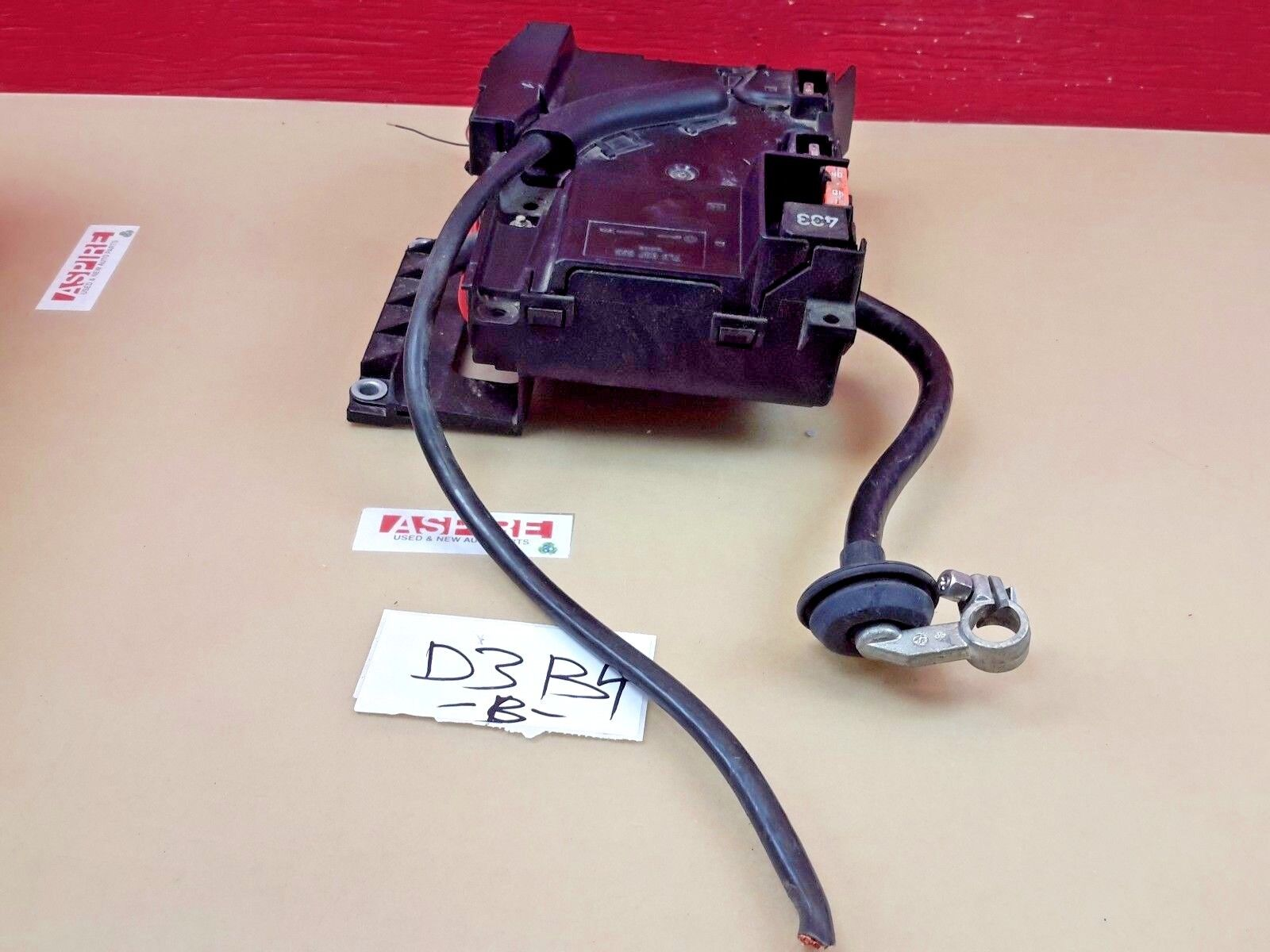 Used Volkswagen Touareg Interior Parts And Related Components For Sale Fuse Box 2004 2007 Front Main Engine Relay Oem