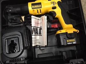 DeWalt 12v Drywall screw gun