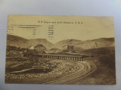 Yellowstone postcard - Amer Import - NP Depot and Arch Entrance, Minn postmark