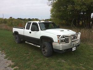 2006 Chevy 3500 in excellent condition
