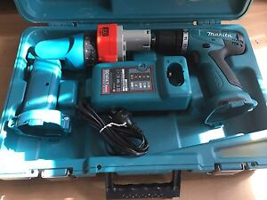 Makita 12V 10mm( 3/8″) Cordless Driver Drill Set Brunswick East Moreland Area Preview