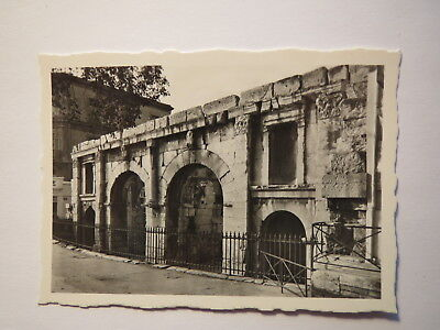 Nimes - Porta Arelatensis / Foto (Porta Fotos)