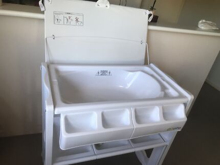 Baby change table and bath