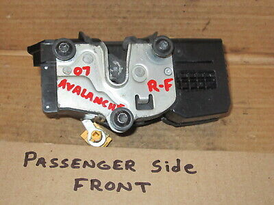 2007 - 2009 Avalanche RIGHT FRONT passenger side Door Latch w- Power Locks OEM