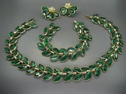 CROWN TRIFARI Stunning EMERALD GREEN NAVETTES Parure Set NECKLACE/BRACELET VTG