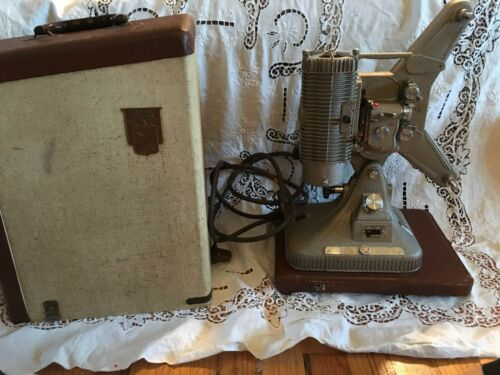Vtg Keystone Regal Model K-109 8mm Movie Projector and Case