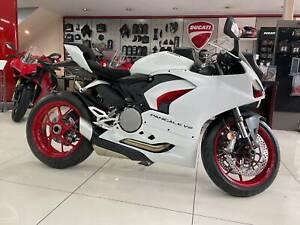 2021 Ducati V2 Panigale in White - In Strock Now! - Brand New!