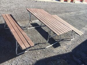 Portable picnic table and bench's