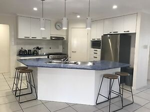 Second Hand Kitchen & Freestanding Stove/Oven Sippy Downs Maroochydore Area Preview