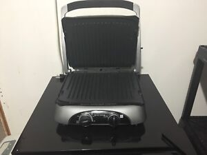 Panini press/Grill//griddle