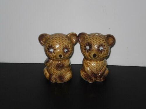 VINTAGE GOOGLE EYES BEAR SALT N PEPPER SHAKERS  1960