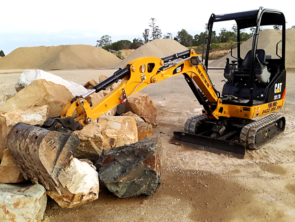 Garden Boulders Big Rocks 4 Earthmoving Landscaping Hervey Bay
