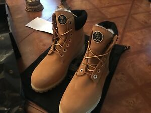 OVO X TIMBERLANDS SIZE 9.5 wheat colour sold out everywhere!!