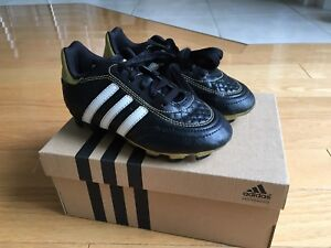 Soulier soccer Adidas