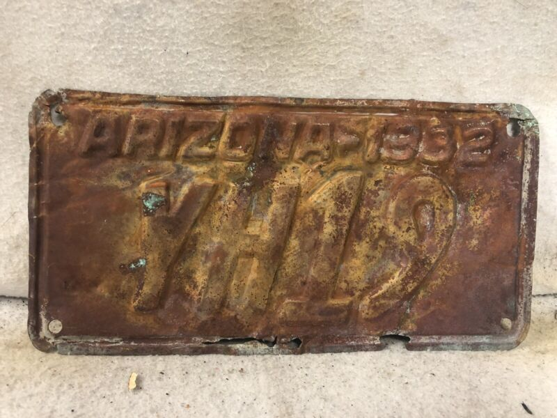 Vintage 1932 Arizona Copper License Plate