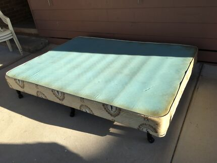 Free Queen size base