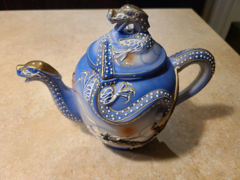 BEAUTIFUL Rare Satsuma Moriage Dragonware Teapot w Gold Leaf 3D Dragon Head