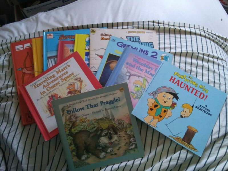 Vintage 11 BOOK LOT Fraggle Rock SMURFS Walt Disney & Jim Henson Flintstone Kids