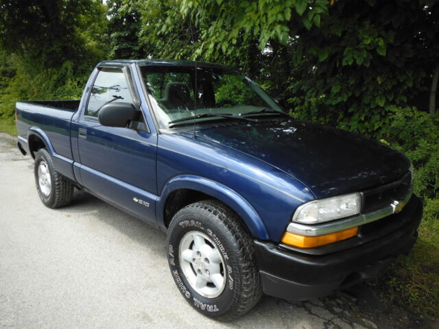 Buy used 2000 Chevrolet S-10 5SPEED 4X4 AIRCONDITIONING 4 3LITER