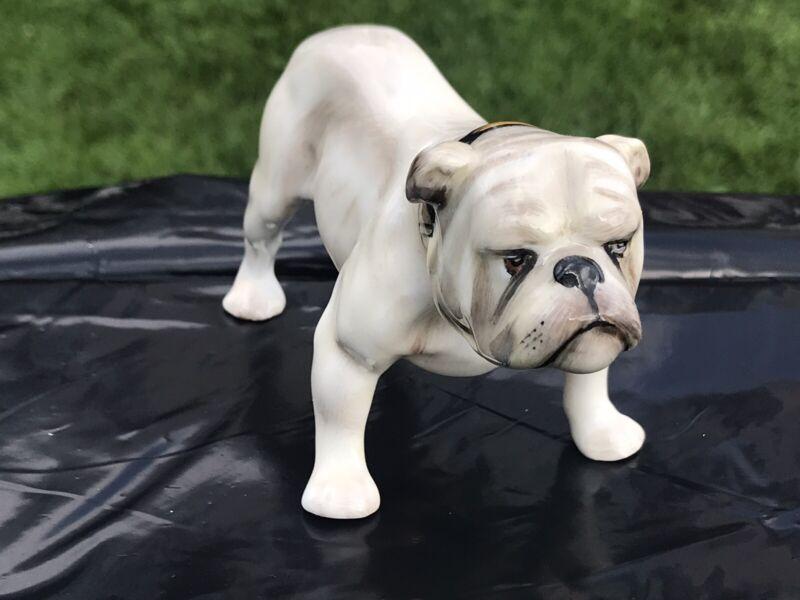 Vintage Royal Doulton English Bulldog Figurine HN1074 Mint Condition with Box