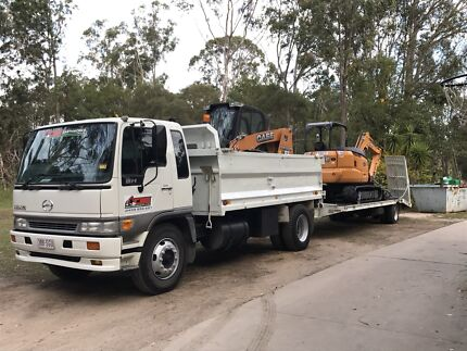 5.5 t excavator combo for hire