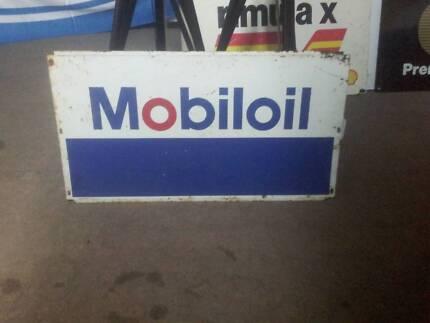 mobiloil rack sign